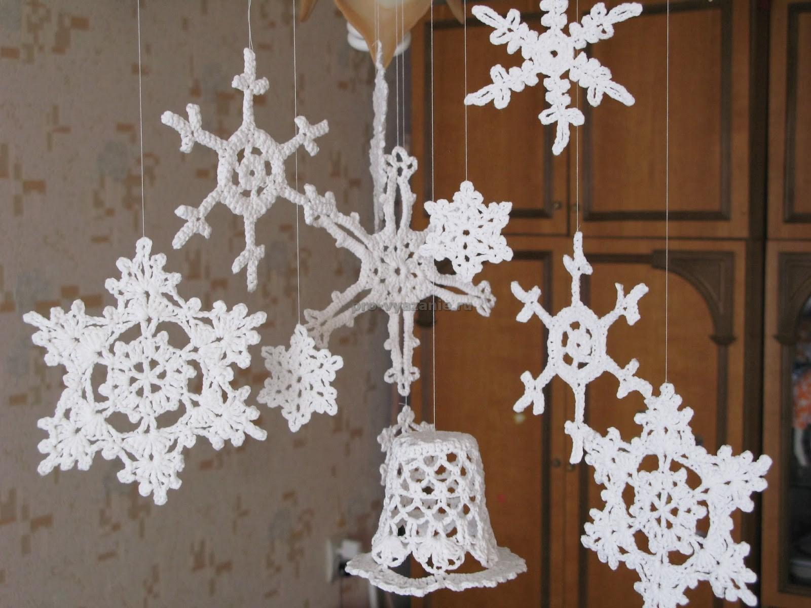 Новогодние снежинки крючком